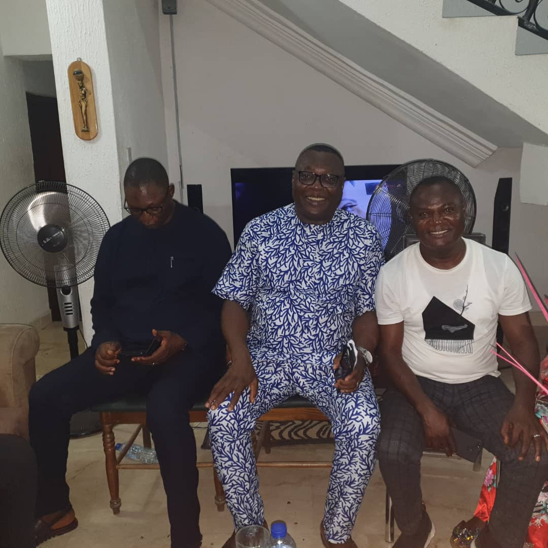 OBUDU POLITICAL LEADERS PASS A VOTE OF CONFIDENCE ON GOVERNOR AYADE.